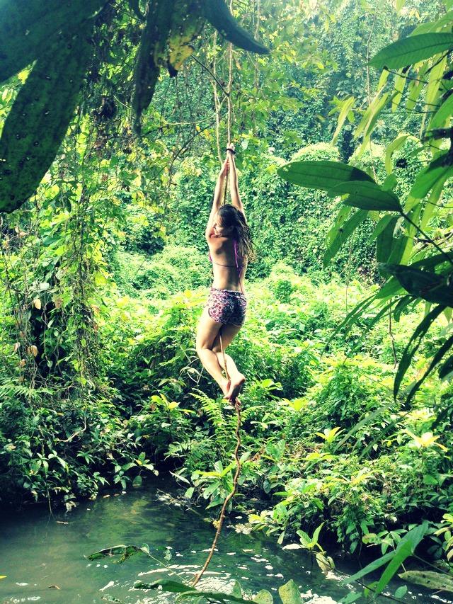 liana climbing girl