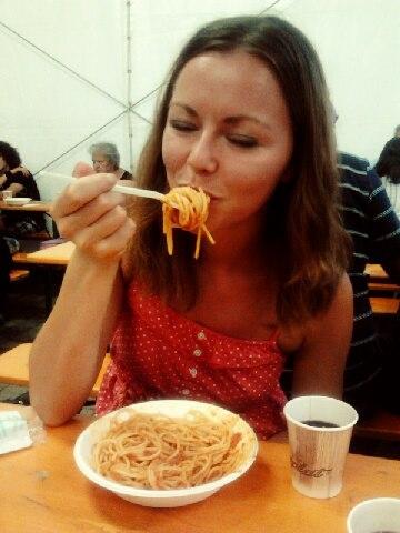 amatriciana pasta girl