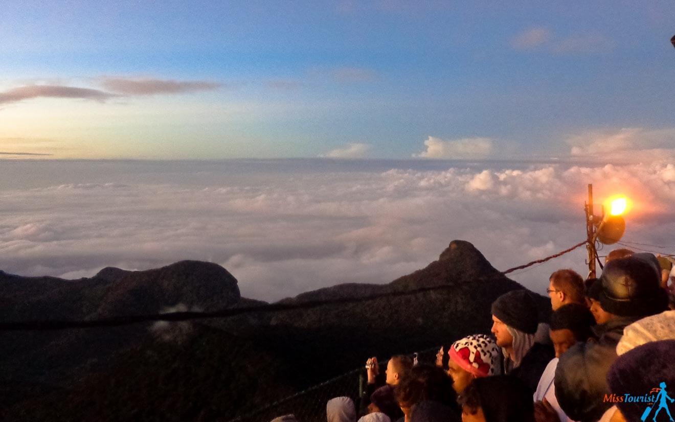 adams peak sunrise