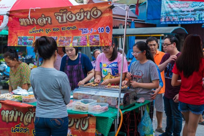 9 Things To Do On Koh Phangan thong sala night market 2