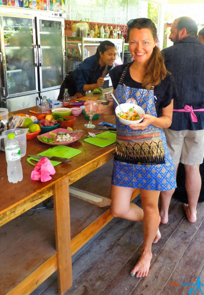 cooking thai salad class