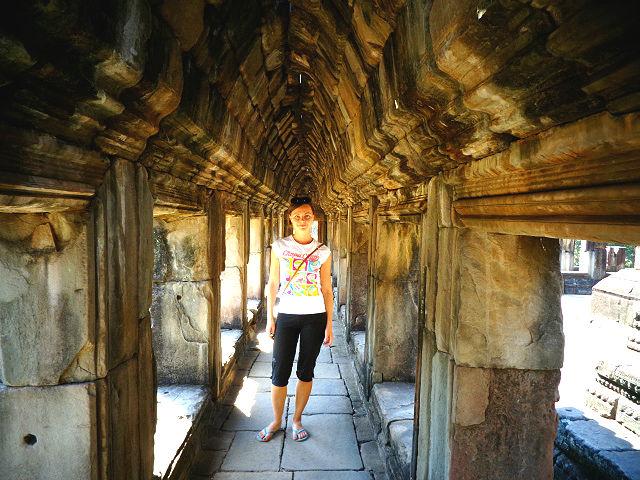 Angkor wat girl Cambodia