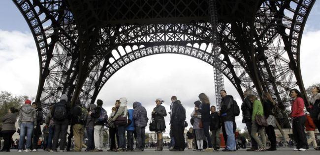Eiffel tower lines in Paris skip the lines in Paris eiffel tower queue