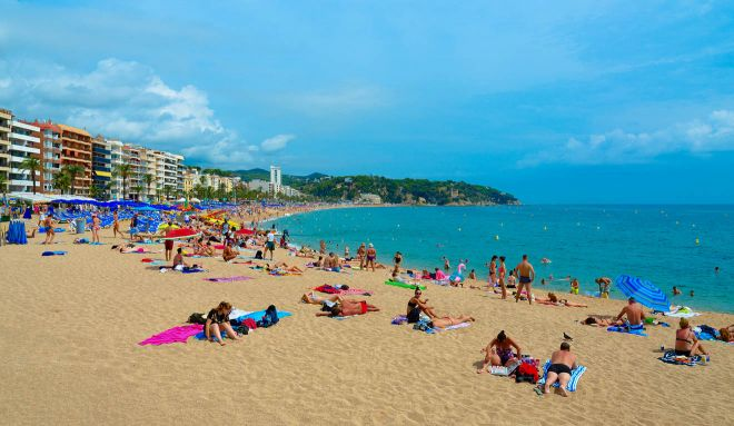 10 Unmissable Things To Do In Lloret De Mar, Spain lloret beach