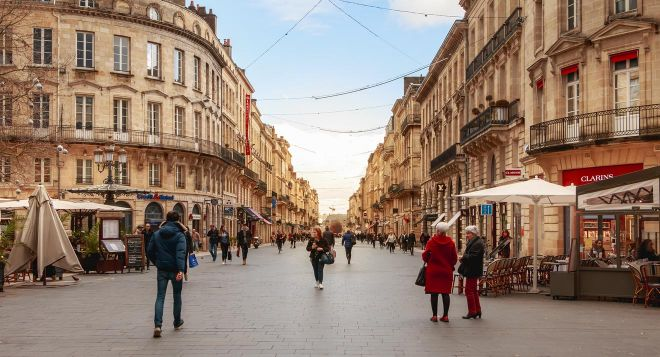 Things to do in Bordeaux - the ultimate guide rue sainte catherine