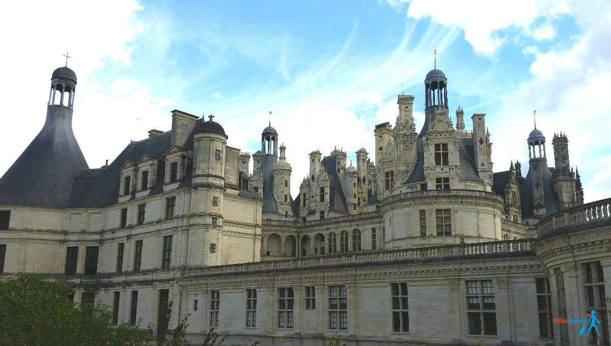Paris day trips loire valley miss tourist travel blog for Castles to stay in france