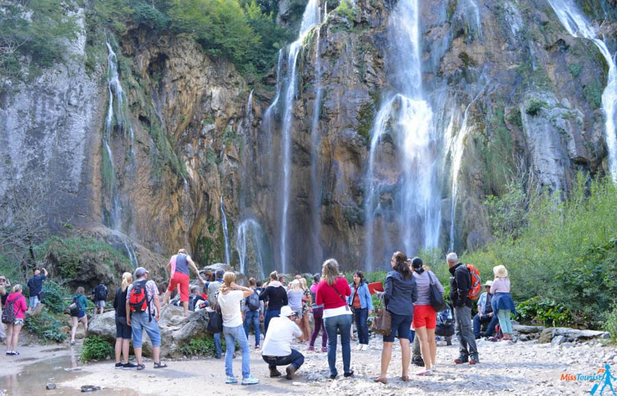 2 Plitvice national park tourists