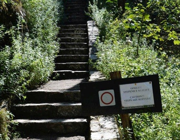 3 Plitvice lakes stairs 2