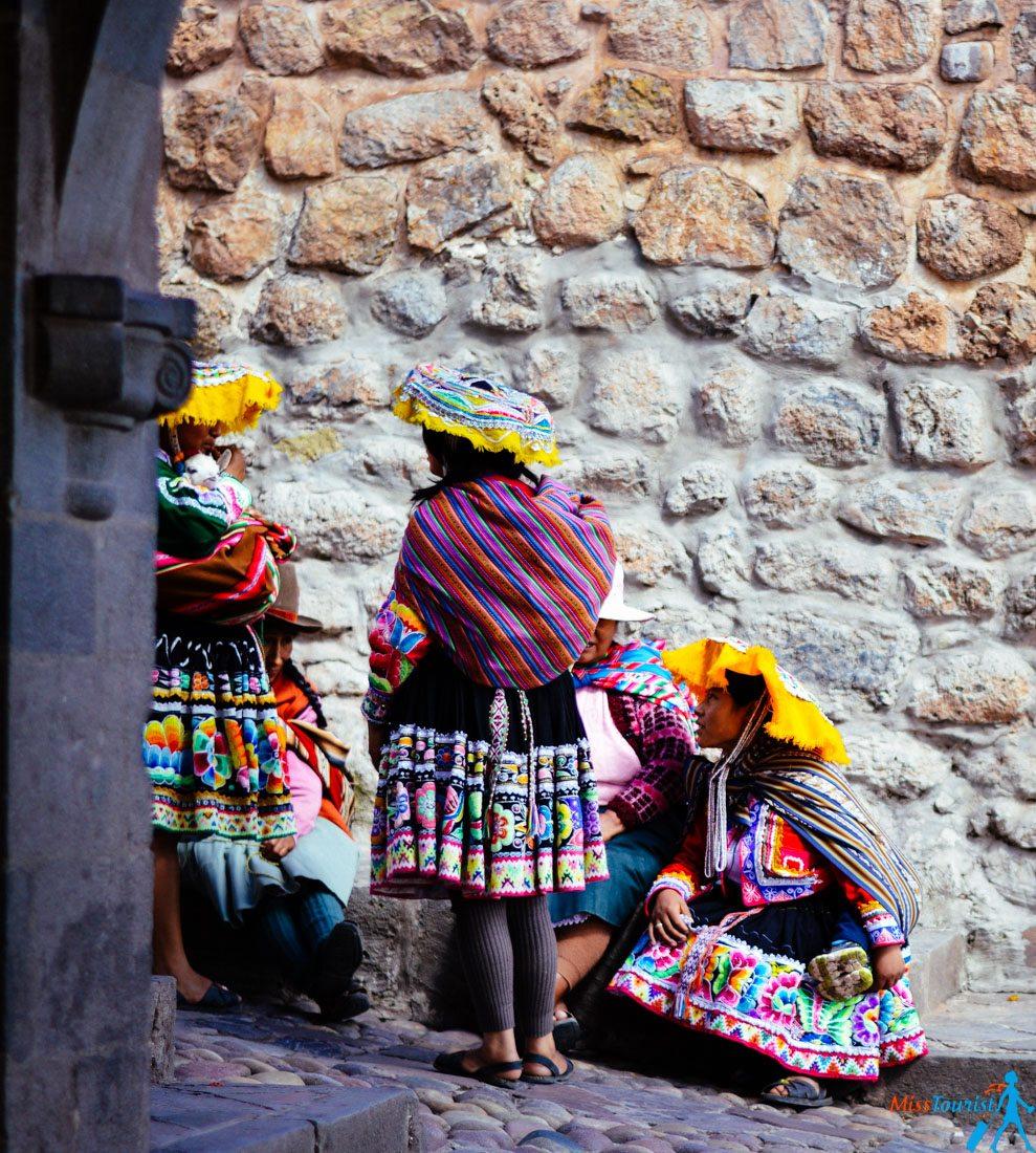 Cusco turismo locals Machu Picchu Peru