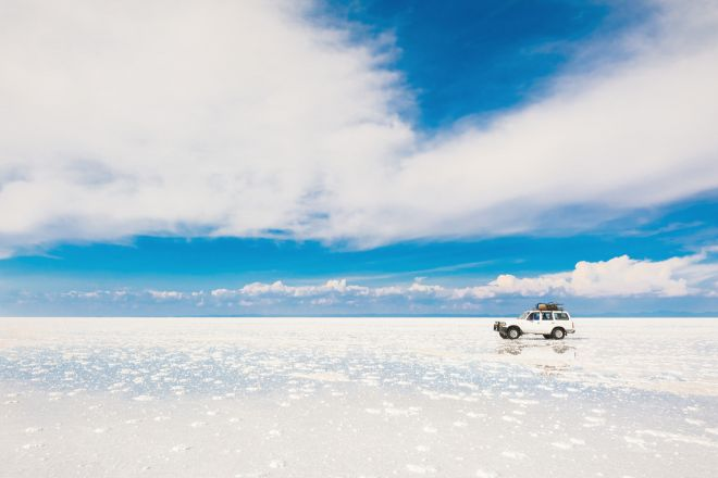 8 Things You Need To Know Before Your Bolivia Salt Flats Tour in Uyuni mirror bolivia salar de uyuni