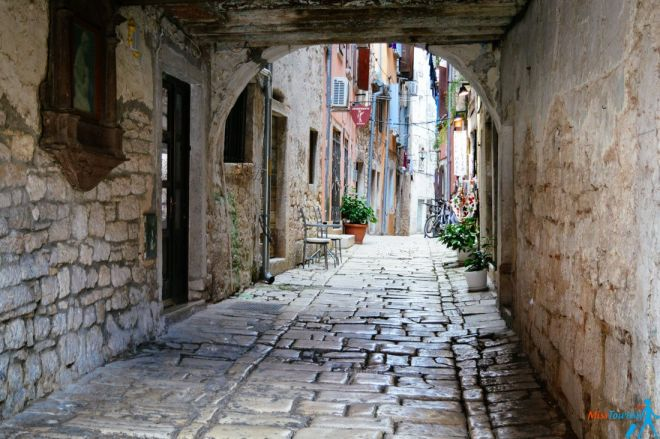 Hum Croatia the smalles city in the world things to do in istria