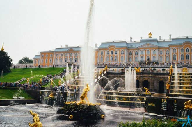 Petergof Samson fountain parks fountains