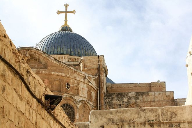 2 church of holy sepulchre hours