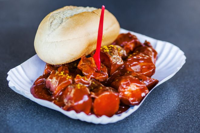 22 Best Things To Do In Berlin That You Cannot Miss currywurst