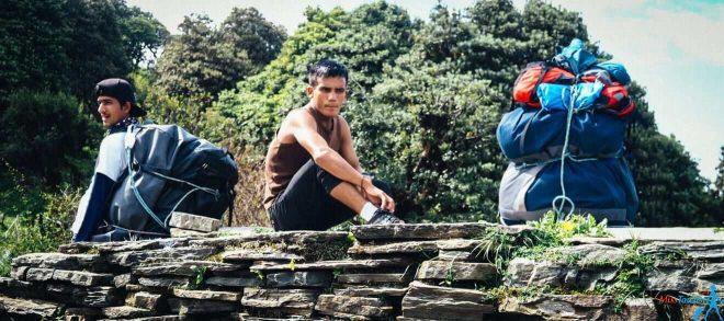 1.5 nepal trekking porters price