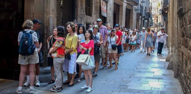 4 Picasso museum barcelona queues-2