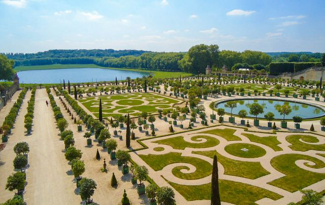 6 Places in Paris With The Longest Queues And How To Skip The Lines Versailles Gardens