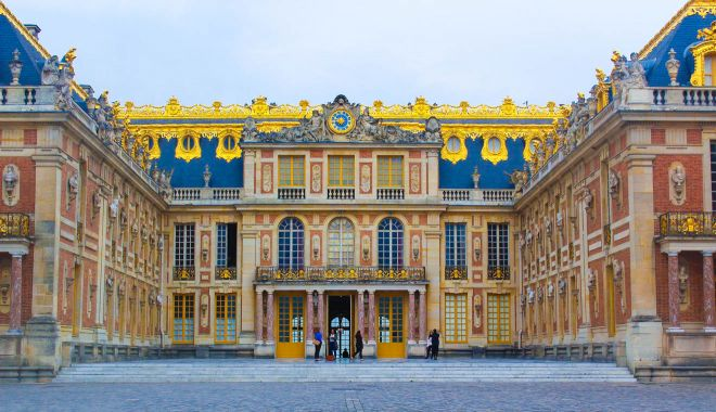 6 Places in Paris With The Longest Queues And How To Skip The Lines Versailles Palace