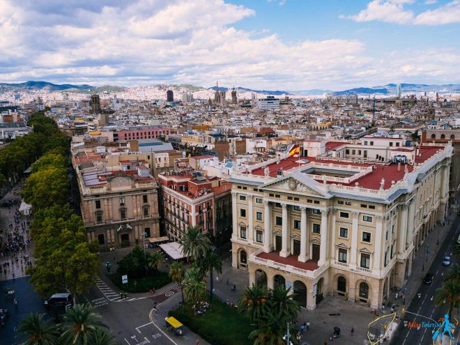 Columbus Column 3 Unusual Things you can do in Barcelona Spain