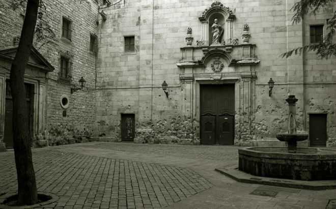 Placa Sant Felip Neri Unusual and Fun Things To Do In Barcelona