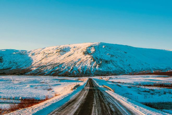 Why you should rent a car in Iceland road travel 2