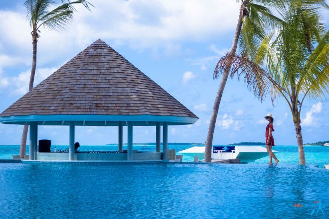 3 Amazing Resorts In The Maldives Kandima pool 3