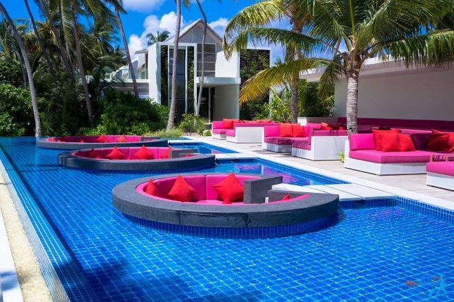 3 Amazing Resorts In The Maldives Kandima water bar