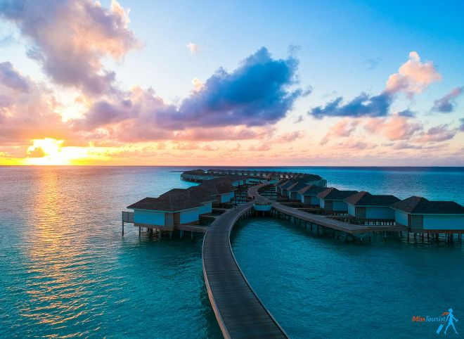 3 Amazing Resorts In The Maldives Kandima water bungalow