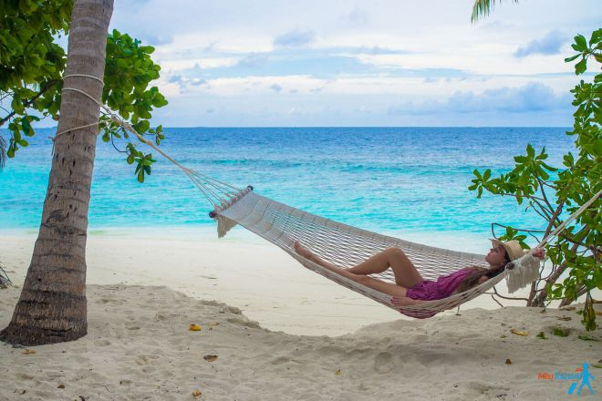 3 Amazing Resorts in the Maldives Bandos Relax Hammock 2