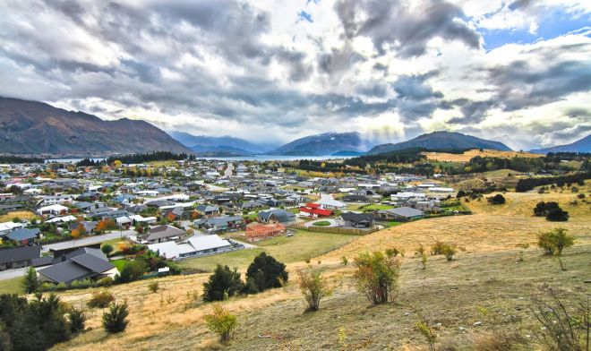 The Town Of Wanaka On New Zealand's South Island, Next To Lake W