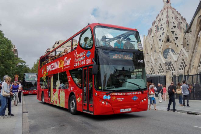 Barcelona Passes – which one is worth the money hop on hop off bus city tour