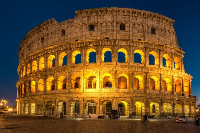 6 most crowded places in Rome and how to avoid the line 2 colosseum night