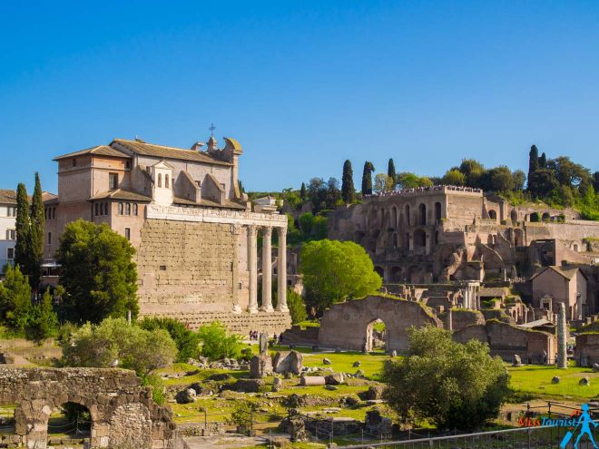 6 most crowded places in Rome and how to avoid the line Roman Forum
