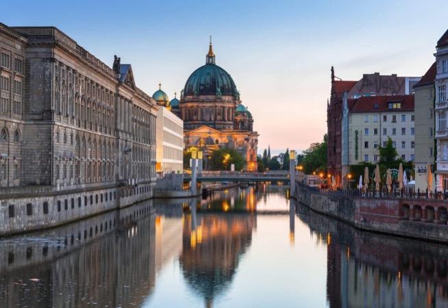 5 Best Neighborhoods To Stay In Berlin cover simple