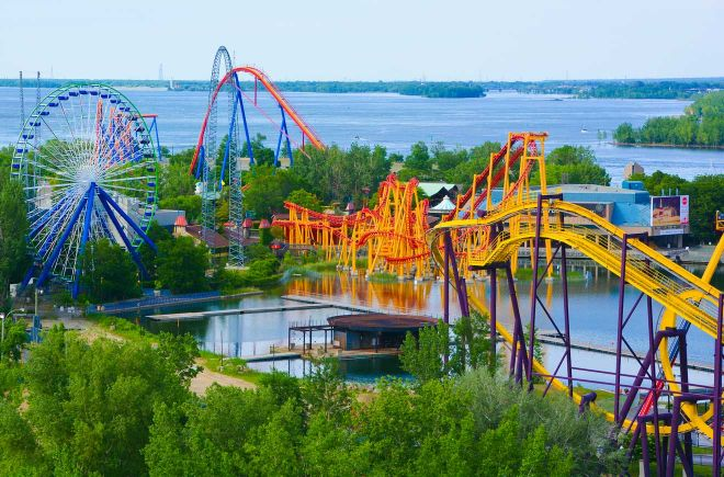 15 unmissable things to do in Montreal, Canada six flags montreal