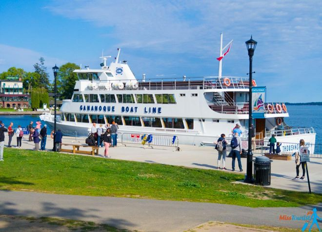 2 Weeks Canada Road Trip Itinerary – Exploring Quebec And Ontario Thousand Islands Boat Tour