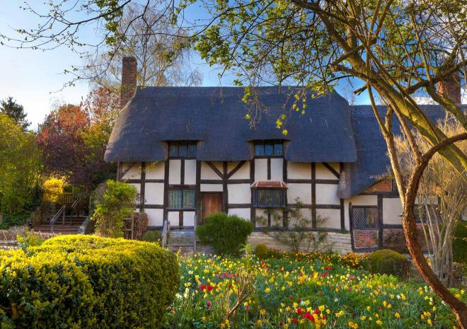 11 Best Things to do in Stratfod-Upon-Avon Anne Hathaway's Cottage