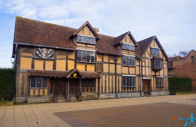 11 Best Things to do in Stratfod-Upon-Avon Shakespeare Birthplace