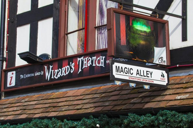 11 Best Things to do in Stratfod-Upon-Avon magic alley