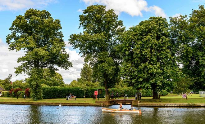 11 Best Things to do in Stratfod-Upon-Avon rowing boat