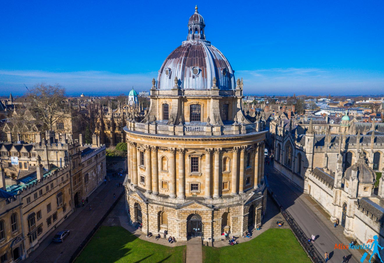 11 Things to do in Oxford Rewely House The Bear Bodleian Library