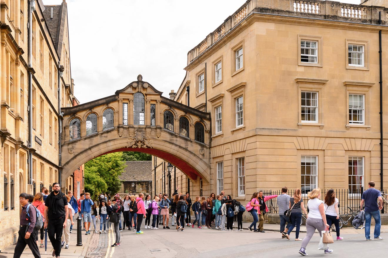 11 Things to do in Oxford bridge of sighs