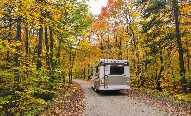 8 things you should know before renting a car in Canada motorhome road trip canada