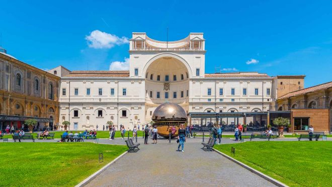 How To Avoid The Long Lines At Vatican Museums in Rome, Italy 2