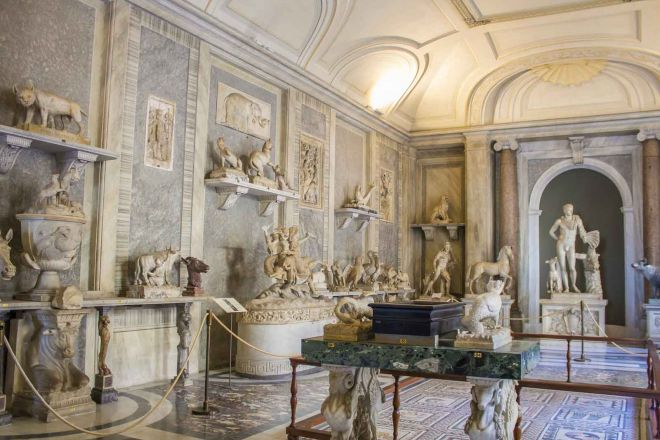 How To Avoid The Long Lines At Vatican Museums in Rome, Italy 3
