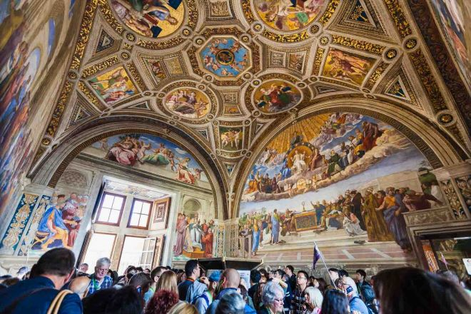 How To Avoid The Long Lines At Vatican Museums in Rome, Italy 7