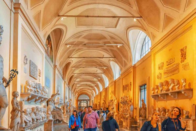 How To Avoid The Long Lines At Vatican Museums in Rome, Italy 8