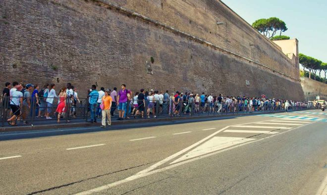 How To Avoid The Long Lines At Vatican Museums in Rome, Italy Vatican queues