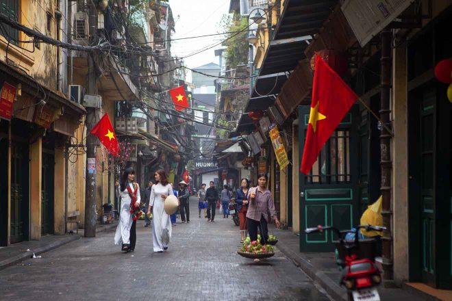 walking tour in hanoi vietnam