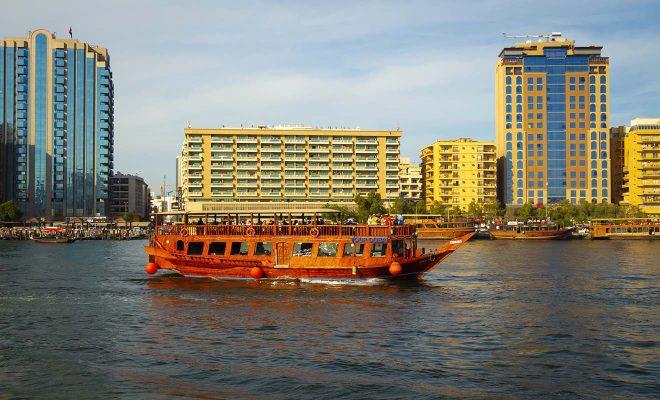 dubai water boat